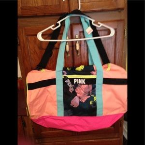 NWT Vs pink duffle bag